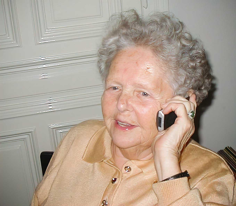 Maria um 2007 – immer noch am Reservierungen entgegennehmen